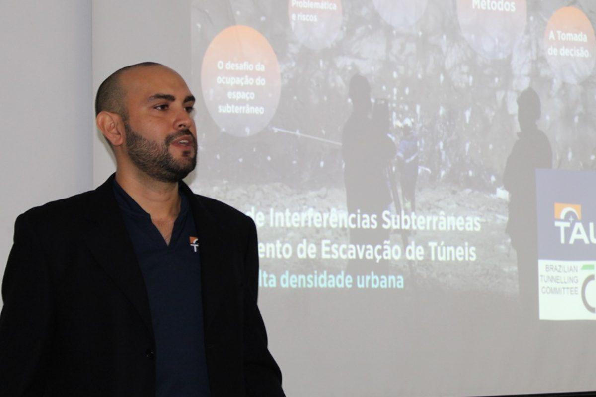 Enrique Vega Leon palestra sobre planejamento de escavações subterrâneas