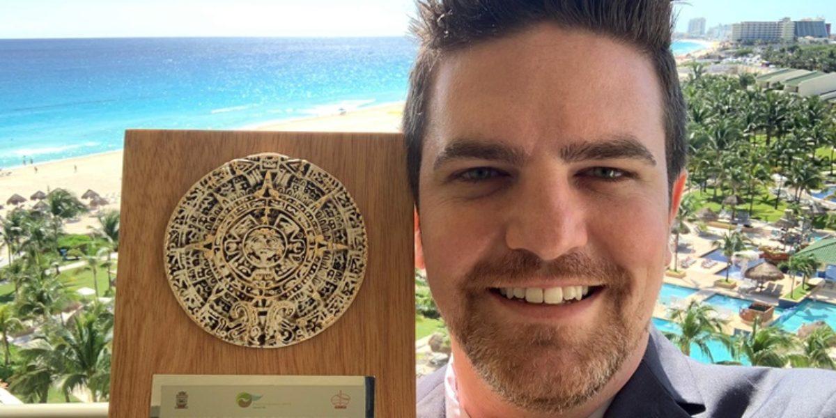 Marlísio Cecílio recebe prêmio de jovem destaque da ISSMGE