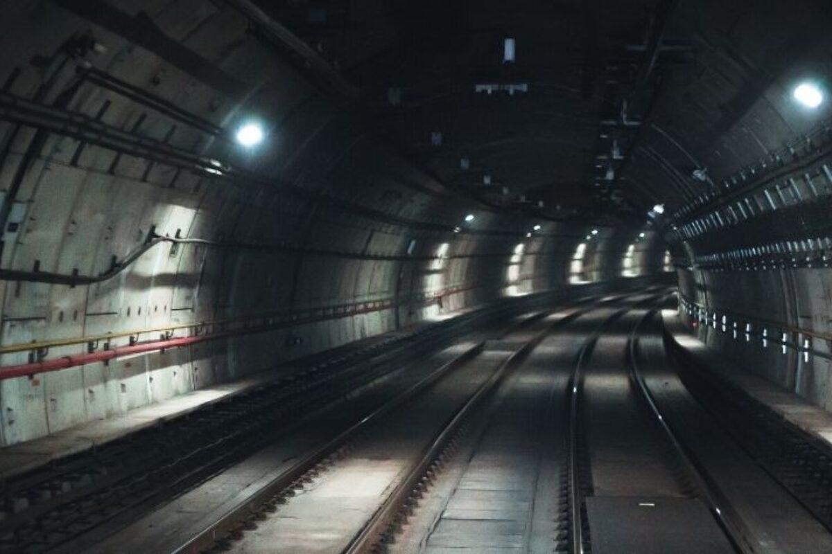 """""""Previsões sísmicas em túneis"""" foi tema do Webinário CBT com Enrique Vega Leon"""