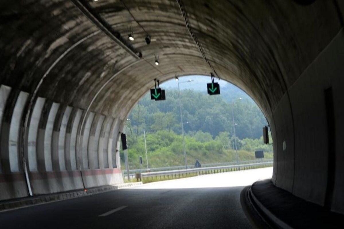 """CBTym Talks abordou as """"Experiências da engenharia de túneis na Colômbia sobre a ótica dos engenheiros jovens"""""""