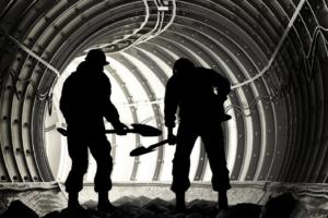 Cassio Moura falou sobre os tratamentos geotécnicos em escavação de túneis no Webinário CBT