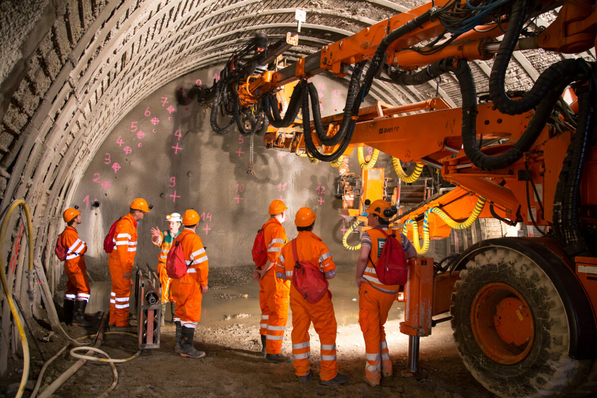 Guia Prático para Túneis em Rocha é lançado em português